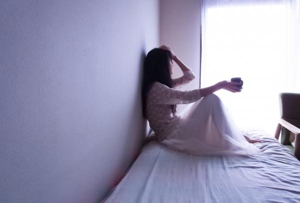 うつ症状、自律神経失調症に悩む女性